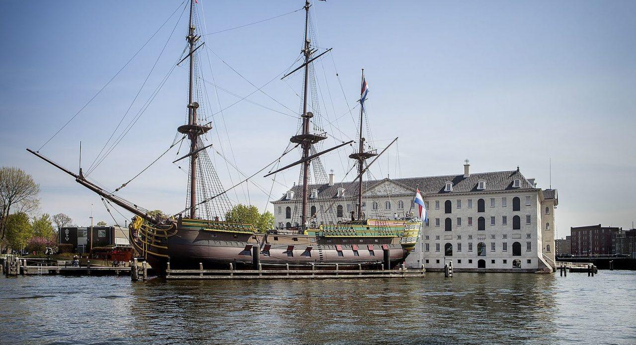 Het Scheepvaartmuseum (Foto: Wikimedia Commons)