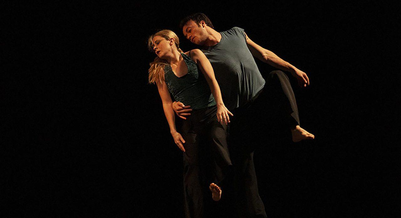 Foto van twee dansende mensen